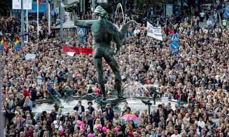 Pro-refugee rally draws 10,000 in Gothenburg