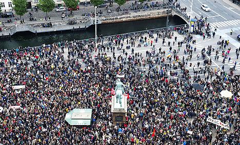 30,000 rally for refugees in Copenhagen