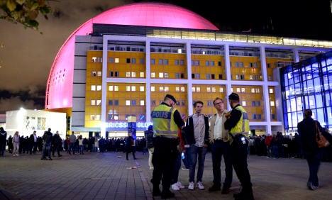 Police investigate if U2 gig 'gunman' was officer