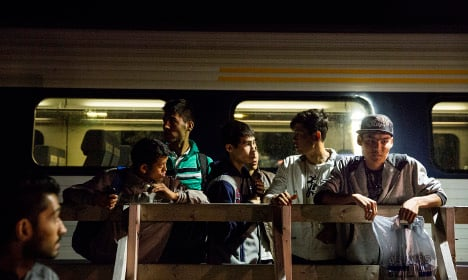 Danes delay refugee trips to Sweden as trains halt