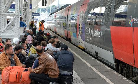 EU chiefs must hold migrant summit: Merkel