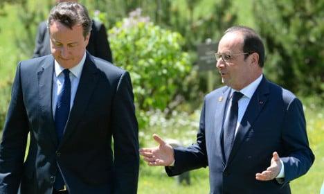 Hollande waits to hear of Cameron's EU reforms