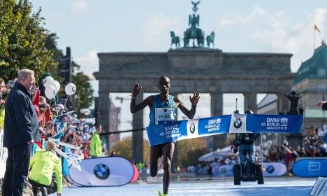 Kipchoge wins Berlin marathon but no record