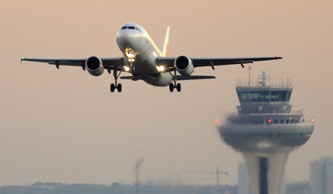 Spanish air traffic controllers call strikes for September and October