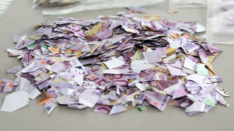 €20k in shredded euro notes puzzles cops