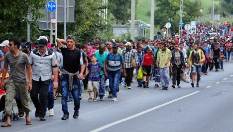 France blasts 'Christian-only refugee' mayors
