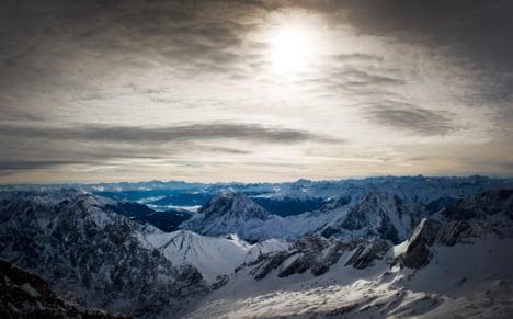 A week after heatwave, snow falls in Bavaria