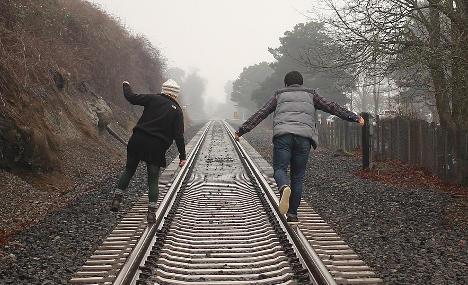 Police warn teens off 'train track-selfie' trend