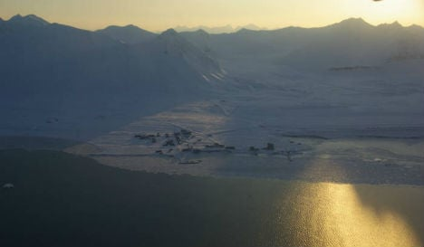 Greens mull sending refugees to Arctic island