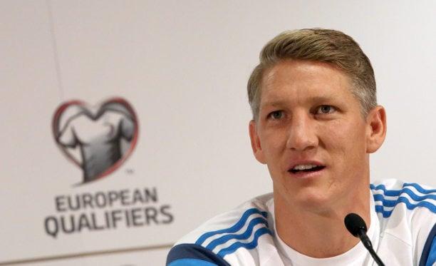 Löw backs Schweini after shaky United start