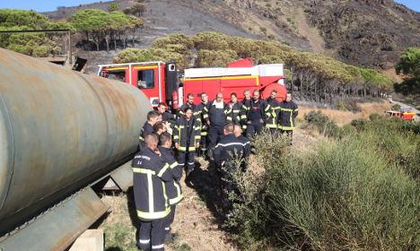Volunteer firefighter dies in 'deliberately lit' blaze