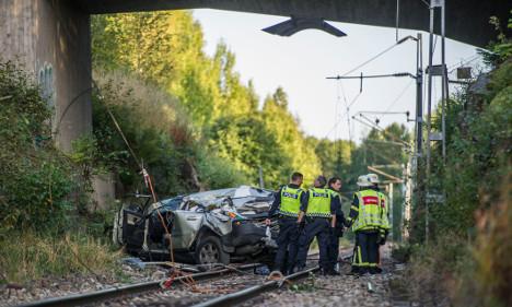 Swedes survive ten metre drop in stolen car