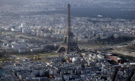 Paris: Eiffel Tower closed after intrusion