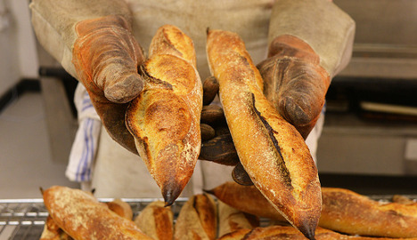 French bakers fined for opening too often