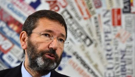 Ousted Rome mayor warns of mafia return