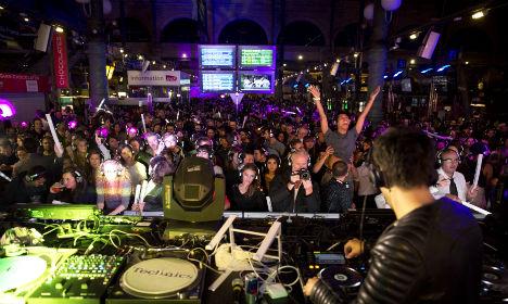 Paris: See how Gare du Nord became a big disco