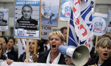 Air France: Job cuts to go ahead in 2016