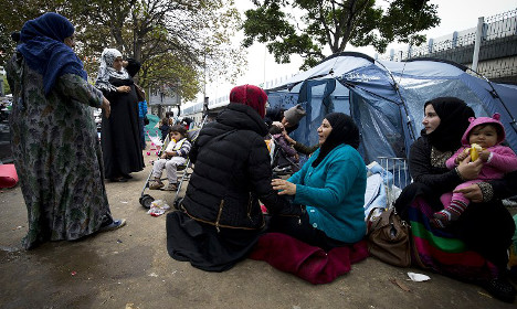 SNCF to show 'humanity' to ticketless refugees