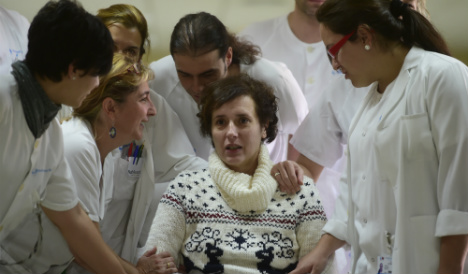 Spanish Ebola nurse protests a year after authorities 'executed' her dog