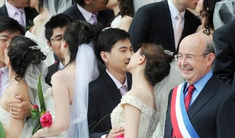 Fake Chinese weddings: Trial begins in France