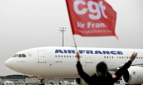 Air France workers strike as 2,900 jobs to go
