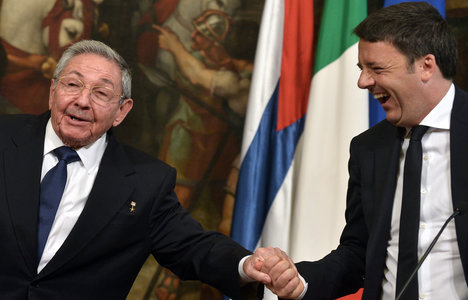 Italian PM visits Cuba in a historic first