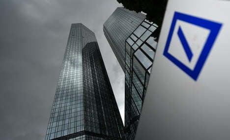 Deutsche Bank issues massive loss warning