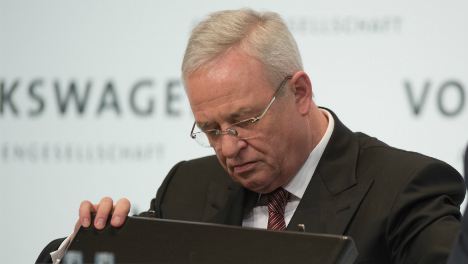 Ex-VW boss to give up last grip on power