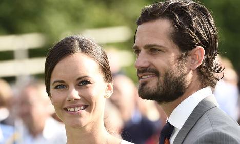 Air gun delays Swedish Prince's prize ceremony