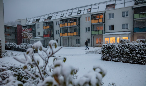 Low-lying regions see first snow of the year