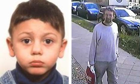 Child corpse found in abduction suspect's car