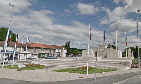 French cops drop trousers at British memorial