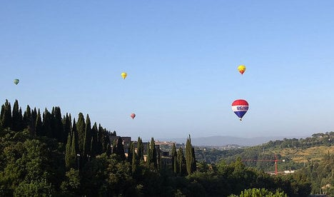 Italian students die in hot air balloon fall