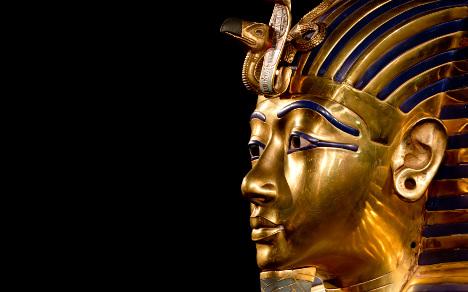 Egypt calls in Germans to fix pharaoh's beard