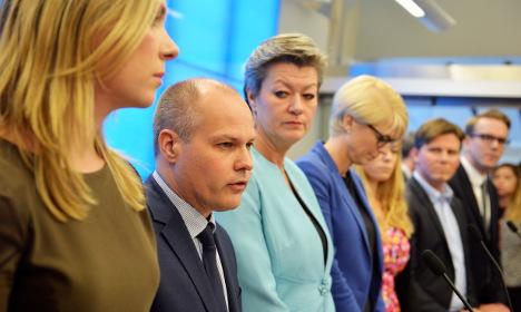 Swedish parties reveal temporary asylum plan