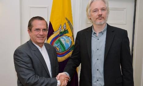 Ecuador: Give Julian Assange safe passage