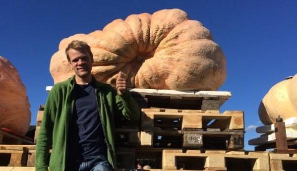 Swiss farmer wins second pumpkin title