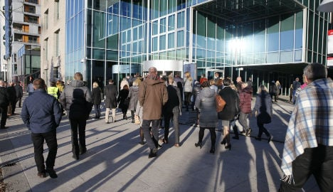 Norway bank HQ evacuated in bomb threat