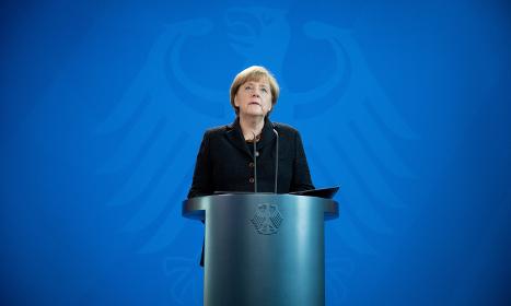 Merkel calls cabinet meeting to discuss Paris