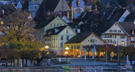 Zug wants language laws waived for rich expats