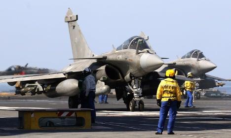 French warplanes pound Isis Syria stonghold
