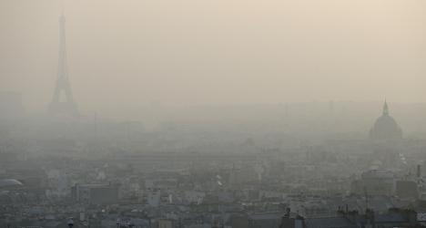 Paris to ban cars when pollution levels peak