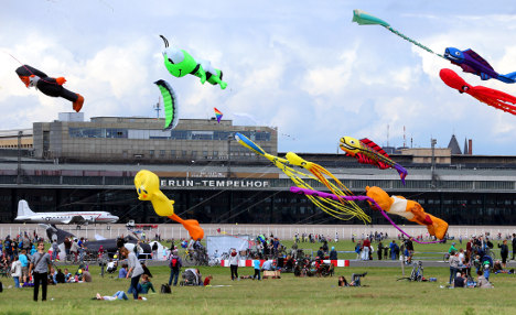 Greens battle Tempelhof refugee shelter plan