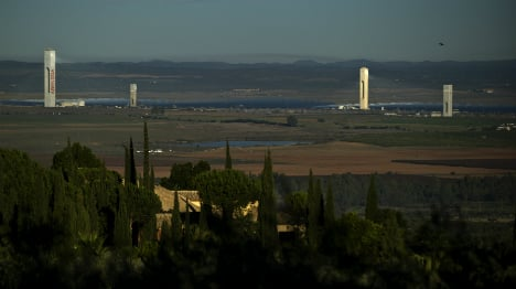 Crisis talks at Spain's Abengoa as firm teeters on brink of bankruptcy