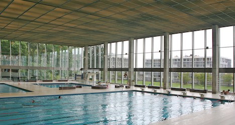 Pool closed after ailment afflicts 40 swimmers
