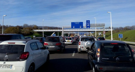 Long delays build up at borders with France