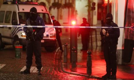 'Suicide bomb vest' found in bin in Paris