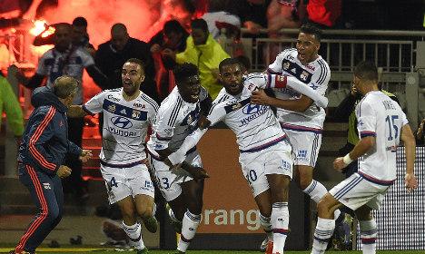 Lyon win derby clash as unbeaten PSG march on