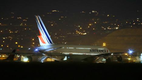 Bomb scare diverts Paris-bound US flights