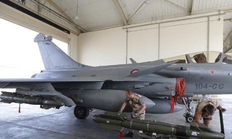 French–Russian air strikes 'kill 33 jihadists'